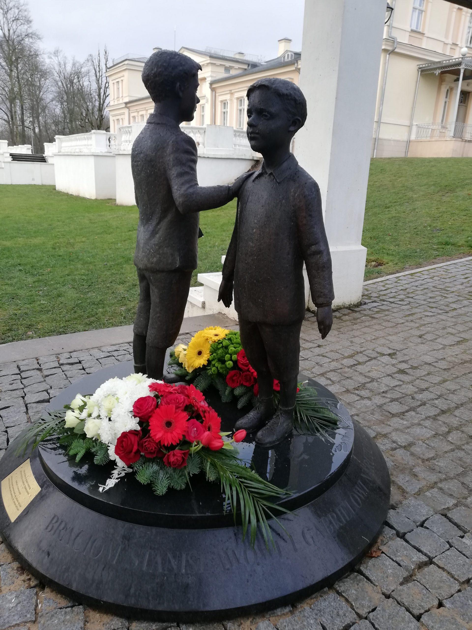 Gabrieliaus Narutavičiaus ir jo brolio Stanislovo vaikystės atminimas įamžintas Renavo dvare